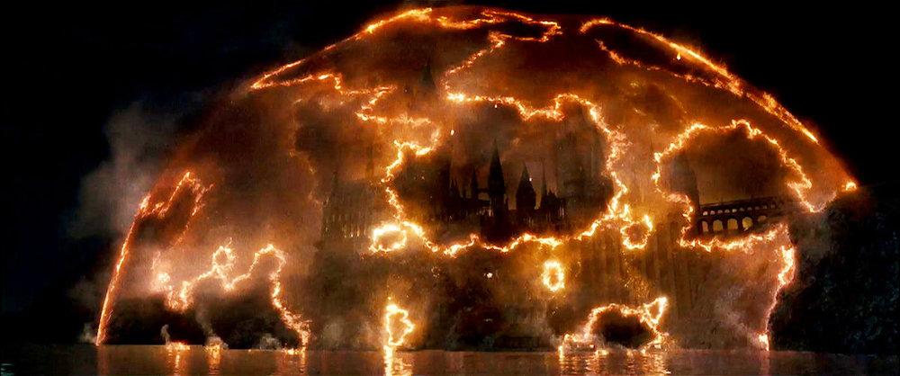 hp7-p2-hogwarts-assault
