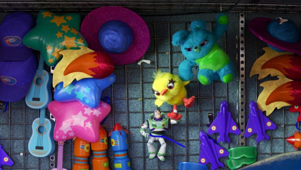 toy-story-4-buzz-lightyear-ducky-bunny